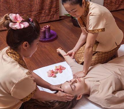 Тайский массаж в четыре руки (двойная польза)